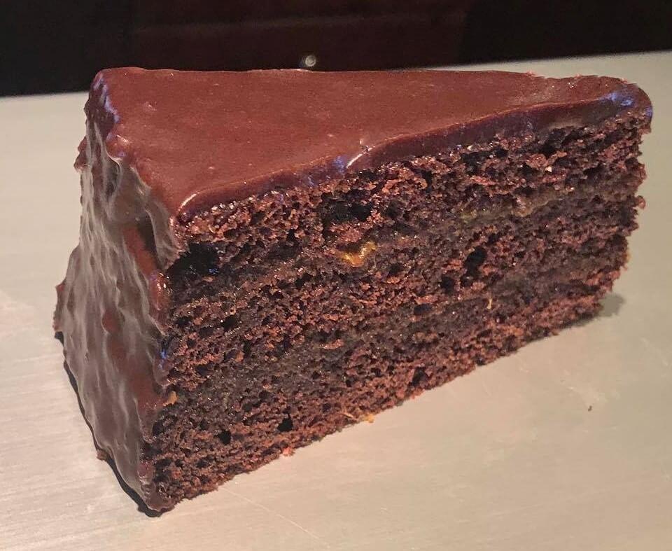 Sacher torta szelet